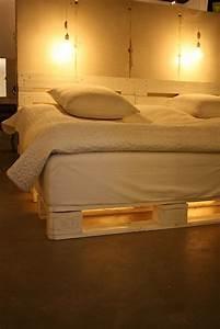 Bett Mit Paletten : bett aus paletten mit beleuchtung innenr ume und m bel ideen ~ Sanjose-hotels-ca.com Haus und Dekorationen