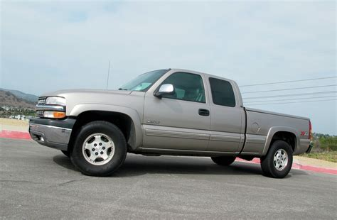 2000 Chevrolet Silverado Reviews and Rating   Motor Trend
