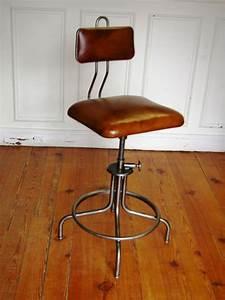 Chaise Haute Industrielle : chaise industrielle flambo position chaises tabourets lampes luminaires ~ Teatrodelosmanantiales.com Idées de Décoration