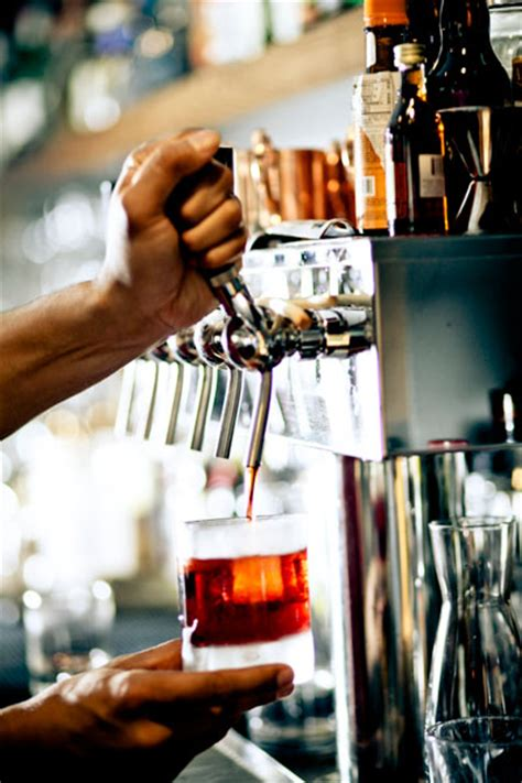 draft cocktails catch   bars patrons nations