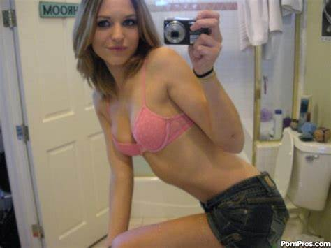 Us Mirror Public Three Ex Cousin Self Shot Selfie And Crack Pics