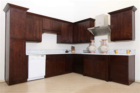 Shaker Cabinets With Crown Molding #24897   Furniture Ideas