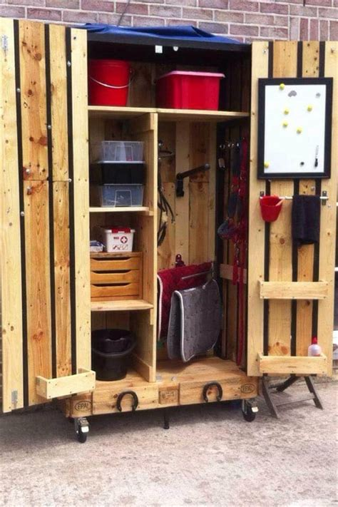Diy Pallet Armoire  Pallet Cabinet On Wheels