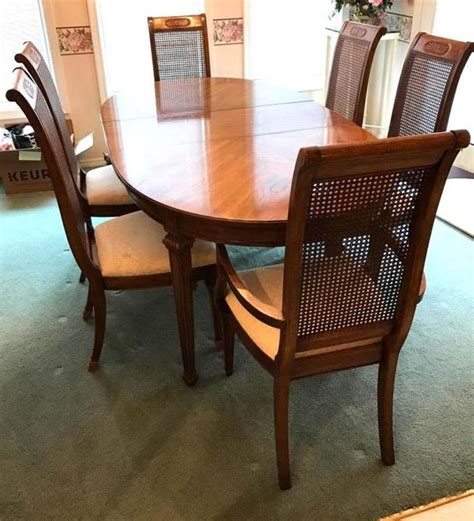 thomasville dining room table 6 chairs