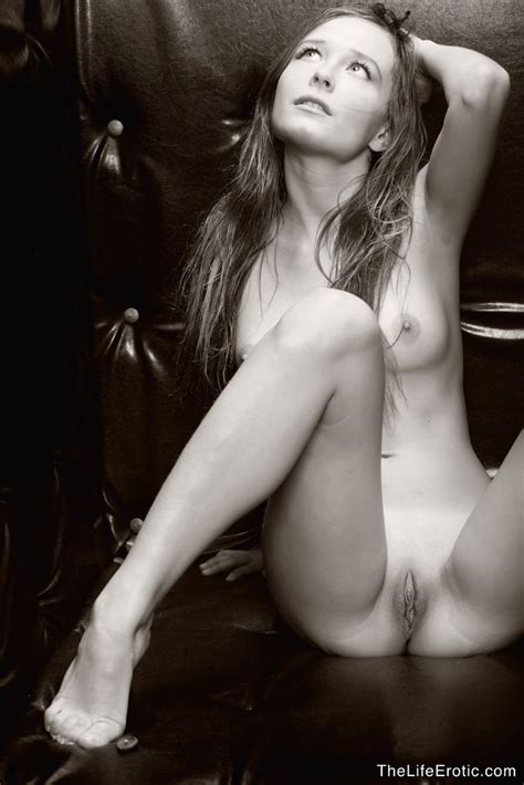 Nude Art With Abigail By The Life Erotic Erotic Beauties