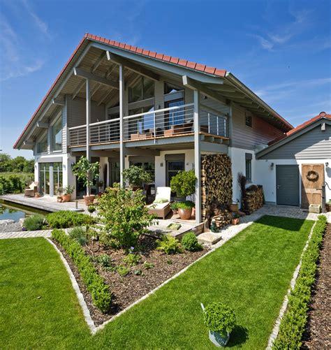 designhaus maisons bois et passives 224 structure pr 233 fabriqu 233 e la maison bois par