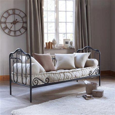 canapé lit en fer forgé 17 meilleures idées à propos de lits en fer anciens sur