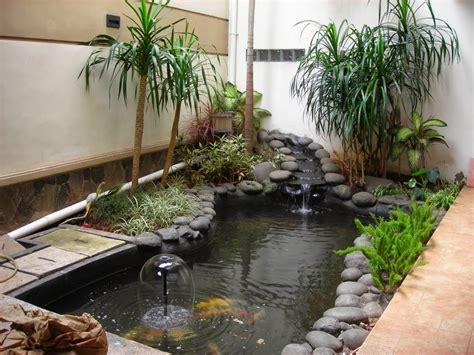 desain taman  kolam ikan minimalis  rumah