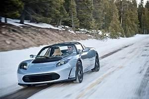 Tesla Roadster Occasion : photo une tesla roadster grise sur la neige ~ Maxctalentgroup.com Avis de Voitures