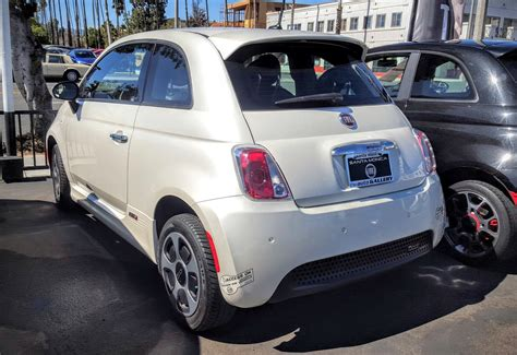 Review Fiat 500e by Fiat 500e Review