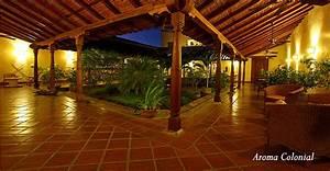 El Hotel  U2013 Patio Del Malinche