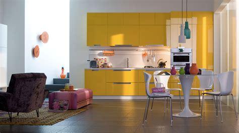cuisine gris jaune cuisine quelles couleurs associer avec des meubles en