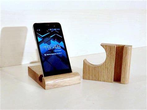 phone ideas diy pallet cell phone holder pallets designs