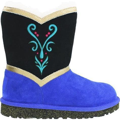 Admiring The UGG Frozen Collection!