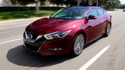 2017 Nissan Maxima Review & Ratings