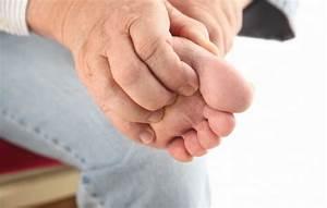 Помогает ли от грибка ногтей лоцерил