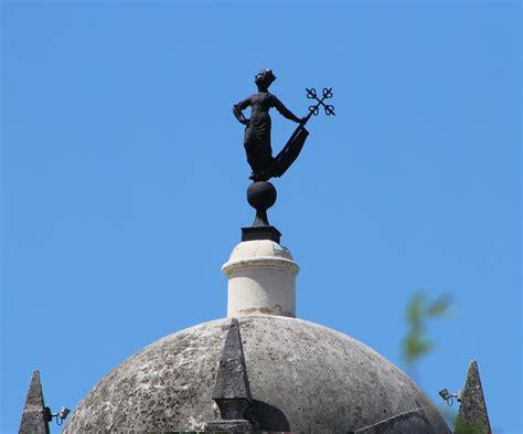 monumentos estatuas  esculturas en la habana vieja cuba