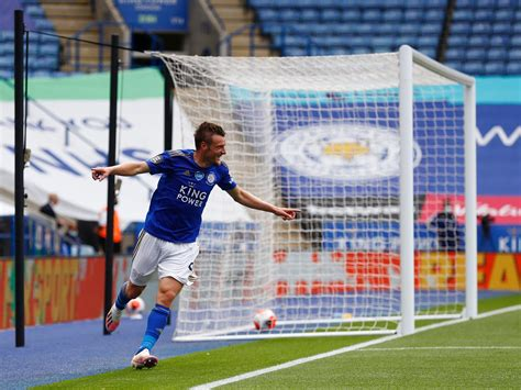 Leicester vs Crystal Palace result: Jamie Vardy double ...