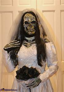 Cool DIY Dead Bride Costume