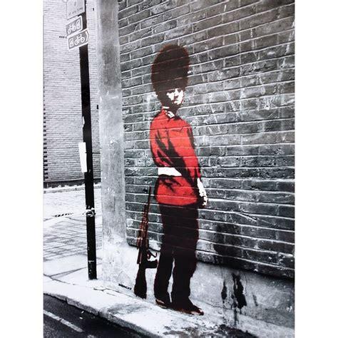 banksy bilder kaufen banksy poster guard poster kleinformat jetzt im shop bestellen up gmbh