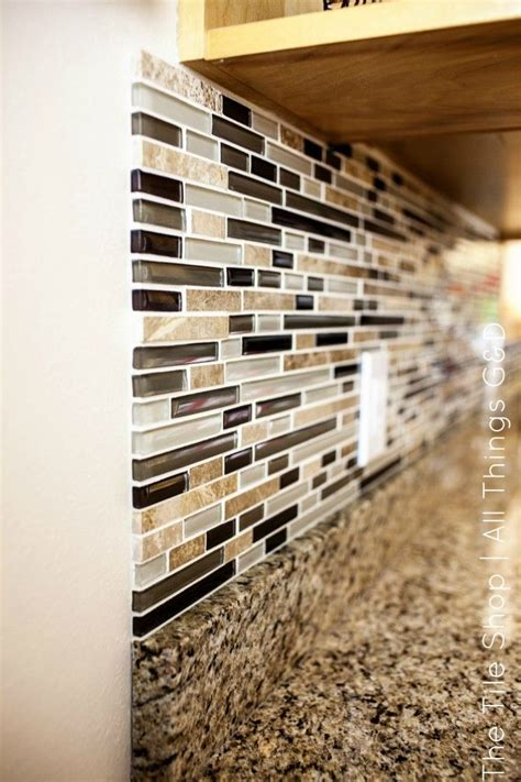 How To Put Up Tile Backsplash In Kitchen by 25 Best Ideas About Kitchen Backsplash On