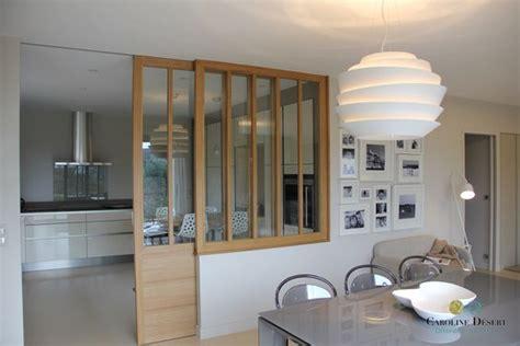 cuisine schmidt valence une cuisine ouverte avec porte coulissante vitrée