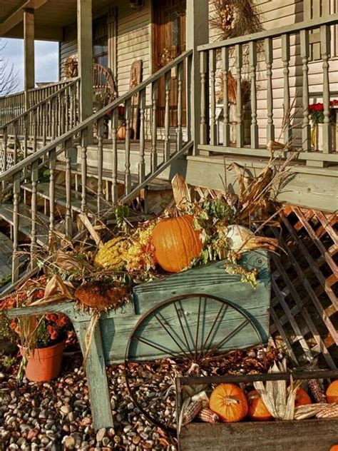 primitive decorating ideas for fall via chestnut grove primitive doors signs falling into