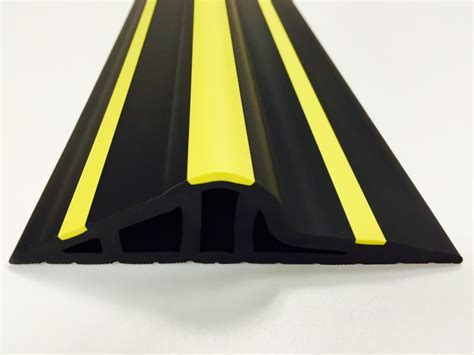 30mm Black / Yellow Rubber Garage Threshold Seal   JA Seals