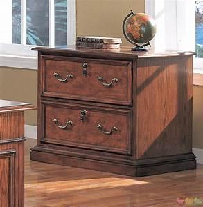 Viscante Traditional Double Pedestal Executive Desk