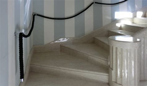corrimano a muro per scale interne idee per corrimano scale