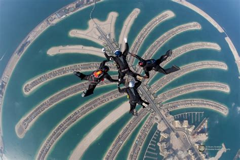 palm jumeirah islands jumerah palm dubai travel guide
