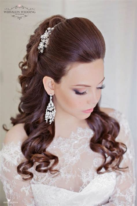beautiful hair down wedding hairstyle for romantic brides