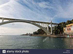 Fluss In Portugal : fluss br cke porto portugal stockfoto bild 92087432 alamy ~ Frokenaadalensverden.com Haus und Dekorationen
