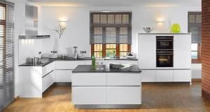 Küche Weiß Hochglanz Grifflos : x cristal hochglanz wei kitchen pinterest k chenm bel k che grifflos und nobilia k chen ~ Eleganceandgraceweddings.com Haus und Dekorationen