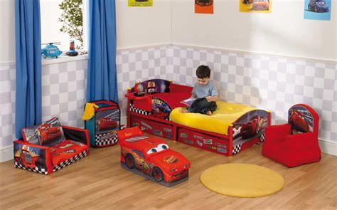 decoration cars pour chambre lit voiture pour garçon chambre enfant