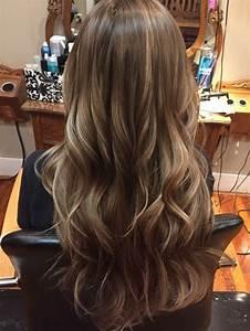 Brune Meche Caramel : cheveux chatain clair avec meche blonde coiffures la mode de cette saison ~ Melissatoandfro.com Idées de Décoration