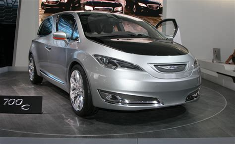 Next Generation Chrysler Minivan by Next Chrysler Minivan To Launch In 2015 187 Autoguide News