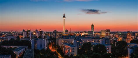 BERLIN SKYLINES