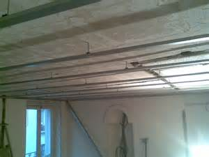 plafond suspendu rail placo maison travaux