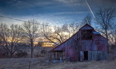 fall  love    beautiful  barns