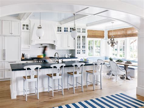 Benjamin Moore Decorator's White Kitchen Cabinets