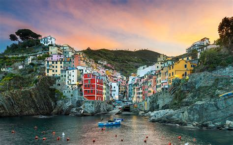 Cinque Terre The Colorful City In Northern Italy