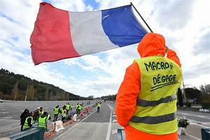Blocage Gilet Jaune Vaucluse : avignon un gilet jaune tu apr s avoir t percut par un camion ~ Maxctalentgroup.com Avis de Voitures