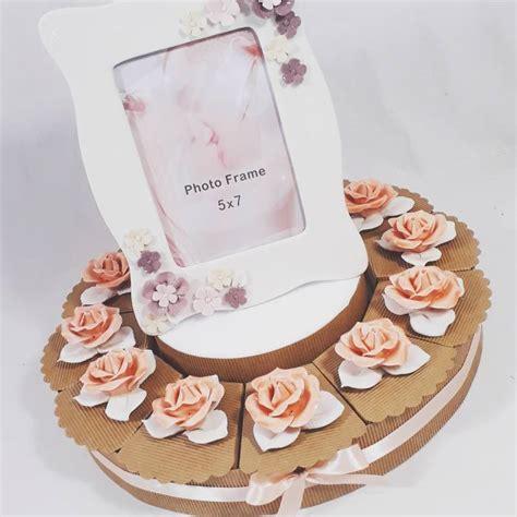 bomboniere a forma di fiore torta bomboniere solidali fiore a forma di rosa in porcellana