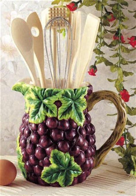 Grapes Wine Kitchen Utensil Tool Set Decor Pitcher 7 Piece