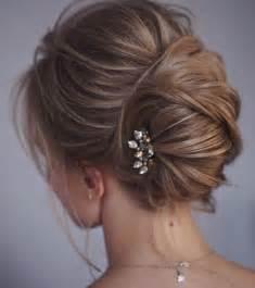 coiffure chignon mariage les 25 meilleures idées de la catégorie chignons sur coiffure chignon bas chignon