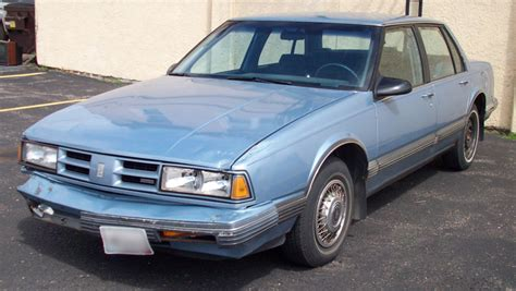 1991 Oldsmobile Eighty-eight Royale Photos, Informations