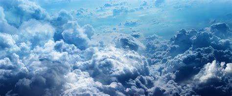 marques de cuisine les nuages pèsent des centaines de milliers de tonnes