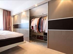 Begehbarer Kleiderschrank Kleines Schlafzimmer : kleidergleiter die idee f r ihren kleiderschrank raumax ~ Michelbontemps.com Haus und Dekorationen