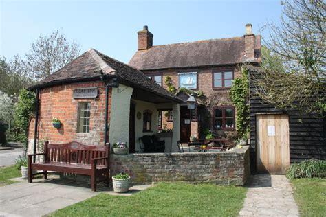 The Boat Country Inn by The Boat Inn Ashleworth Quay 169 Bob Embleton Cc By Sa 2 0